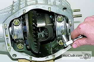 Снятие и установка редуктора переднего моста Нива Шевроле - Niva Chevrolet (ВАЗ 2123, Шеви)